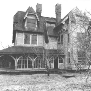a run down emlen physick estate victorian house