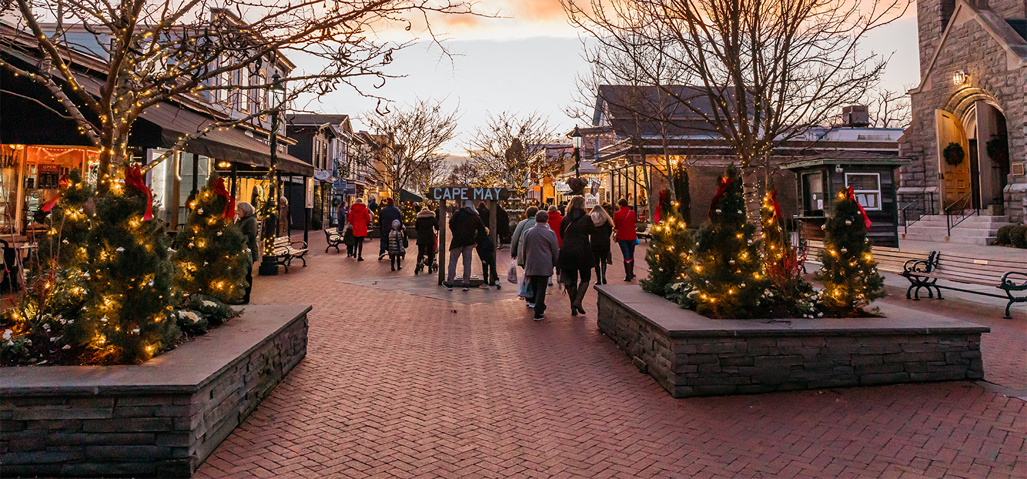 christmas lights on the cape may washington street mall