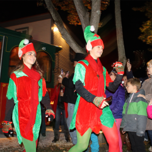 cape may mac holiday preview weekend with 2 girls dressed as santa's elves