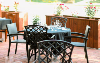 outside table seating